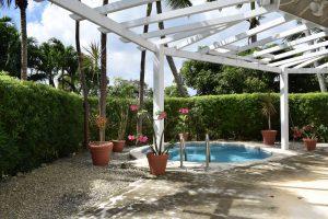 ca-limbo-villa-pool-cottage