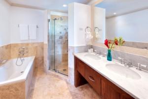 cherry-red-barbados-vacation-villa-rental-bathroom