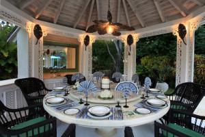 grendon-house-barbados-villa-rental-dining