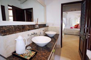 harmony-house-villa-barbados-bathroom2