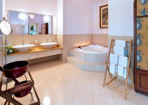 jamoon-vacation-villa-rental-barbados-bathroom