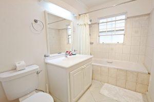 leith-court-11-barbados-bathroom