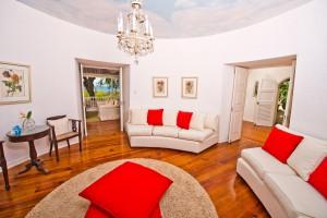 Mullins Mill living room