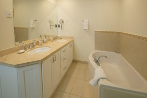 Palm-Beach-110-Barbados-holiday-rental-bathroom
