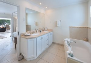palm-beach-408-barbados-masterbath