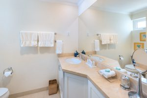 palm-beach-509-barbados-bathroom