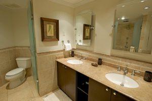sapphire-beach-509-barbados-rental-bathroom