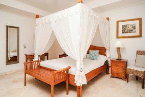 schooner-bay-112-moonshine-barbados-vacation-rental-bedroom