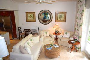 schooner-bay-201-moonshine-livingroom