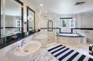 schooner-bay-203-barbados-villa-rental-bathroom
