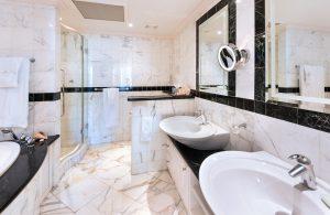 schooner-bay-206-barbados-bathroom1
