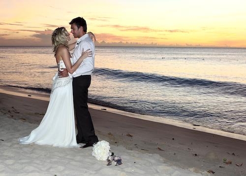 steve-elise-barbados-beach-wedding