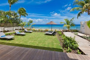 still-fathoms-barbados-rental-back-yard