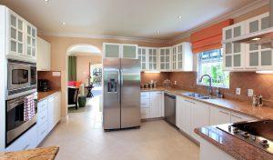 tara-villa-barbados-holiday-rental-kitchen