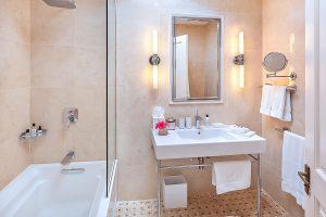the-great-house-villa-barbados-bathroom