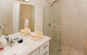 todmorden-vacation-villa-rental-barbados-bathroom