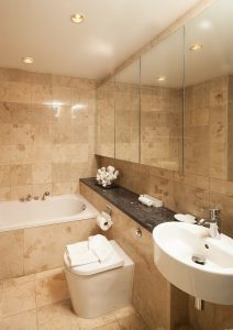 waterside-402-barbados-rental-bathroom