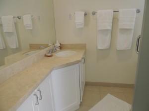 Barbados-rental-Palm-Beach-Condos-502-bathroom