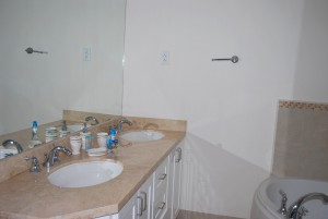 Palm Beach Condos 109 master bathroom