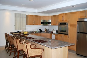 Palm Beach Condos 109 kitchen