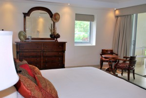 Palm Beach Condos 109 master bedroom