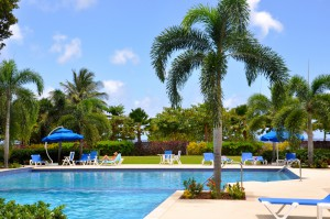 Palm Beach Condos swimming pool