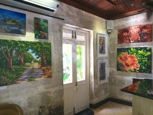 Tides Art Gallery in Holetown