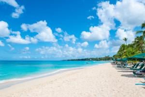Glitter-Bay-Barbados-vacation-rental-beach