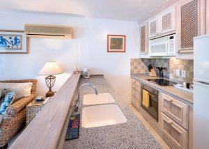 glitter-bay-305-barbados-rental-kitchen