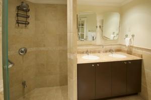 Sapphire-Beach-313-master-bathroom