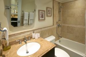 Sapphire-Beach-313-third-bathroom