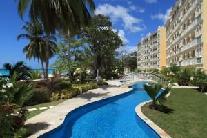 Sapphire-Beach-Barbados-rental-pool