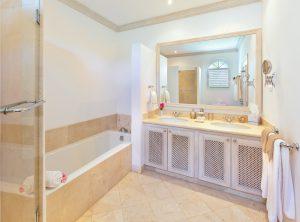 Sugar-Hill-Summer-House-bathroom