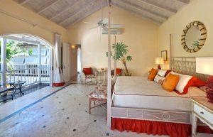 calmaro-villa-bedroom2