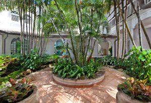 calmaro-villa-rental-barbados-courtyard