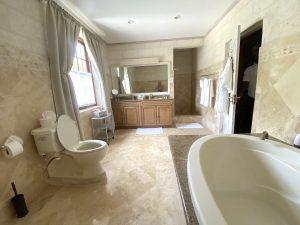 moon-reach-villa-barbados-bathroom