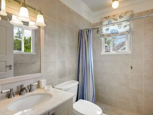 falls-barbados-vacation-rentals-bathroom