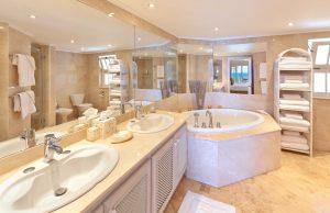 reeds-house-12-barbados-bathroom2