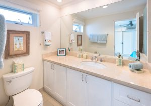palm-beach-condos-302-bathroom2