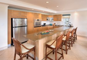 palm-beach-condos-302-kitchen