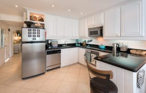 glitter-bay-310-barbados-rental-kitchen