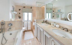 glitter-bay-310-barbados-rental-bathroom