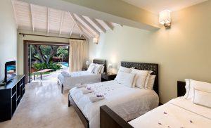 happy-trees-barbados-villa-bedroom