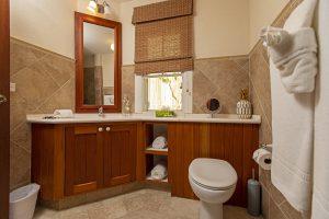 Rock-Ridge-villa-Barbados-bathroom