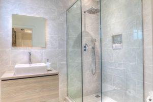the-villa-st-james-barbados-luxury-rental-bathroom