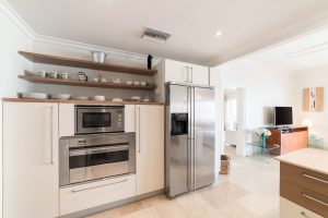 schooner-bay-303-barbados-rental-kitchen