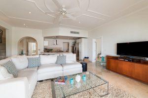 schooner-bay-303-barbados-rental-interior
